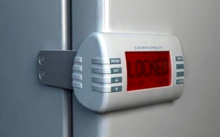Замок на холодильник: виды, как выбрать + инструкция по монтажу