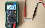 Как проверить напряжение в розетке мультиметром и измерить