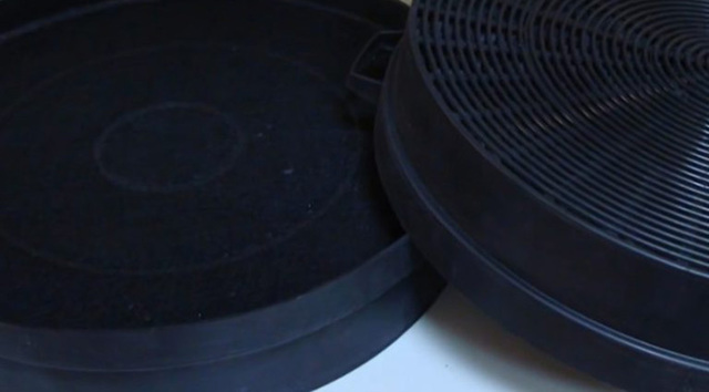 Угольный фильтр для вытяжки: виды, принцип работы, как заменить самому