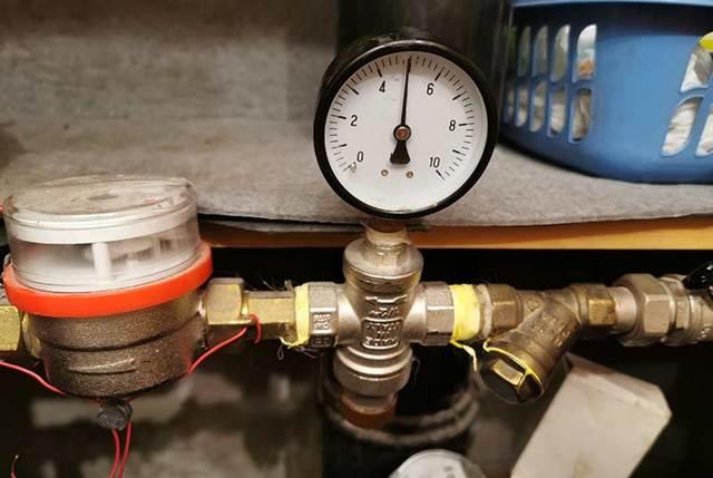 Слабый напор горячей воды из газовой колонки: обзор причин + инструкция по прочистке