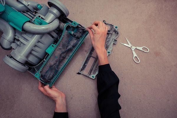 Как починить пылесос своими руками: основные типы поломок и их устранение
