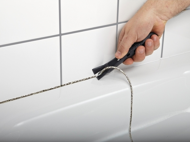 Черная плесень в ванной: как избавиться от грибка, обзор средств