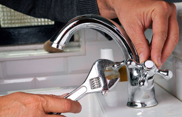 Почему гудят водопроводные трубы в квартире: причины и их устранение