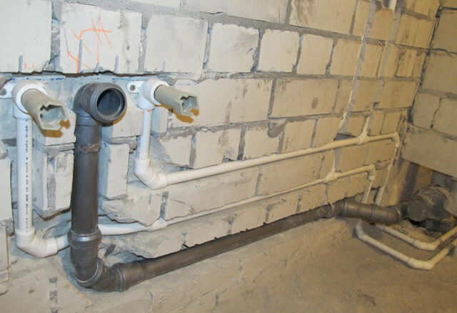Разводка труб в ванной и туалете: лучшие схемы и частые ошибки