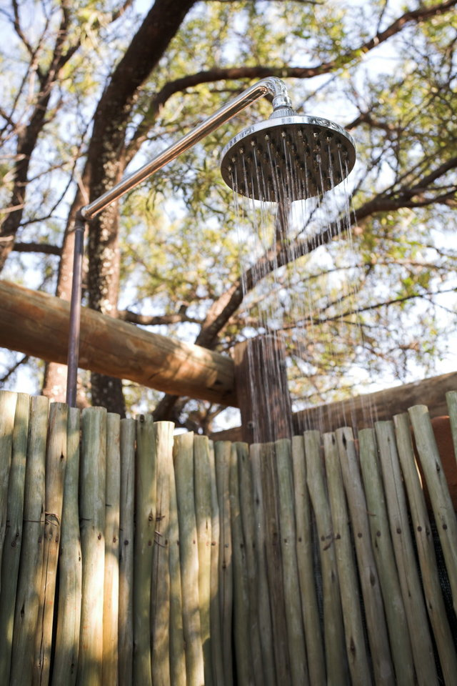 Летний душ из поликарбоната: иструктаж по сборке своими руками