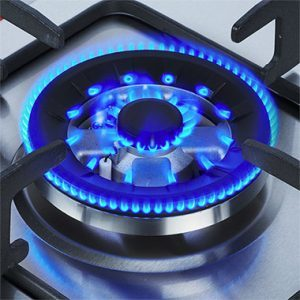 Почему газовая плита бьет током: обзор возможных причин и способов их устранения
