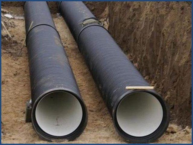 Гофрированные трубы для наружной канализации: виды, плюсы и минусы, варианты использования