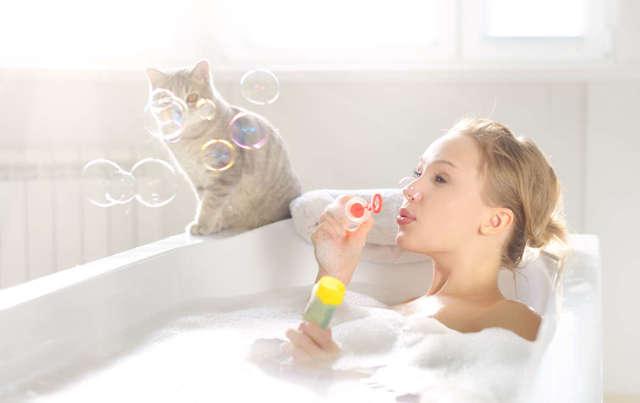 Как и чем лучше отмыть ванну добела: лучшие методы и народные рецепты