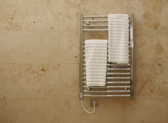 Подключение электрического полотенцесушителя: инструкция по монтажу своими руками