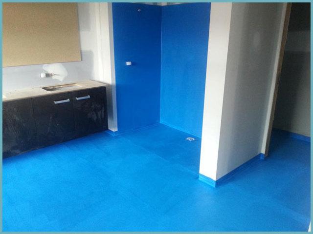 Гидроизоляция ванной комнаты под плитку: что лучше наносить под кафель