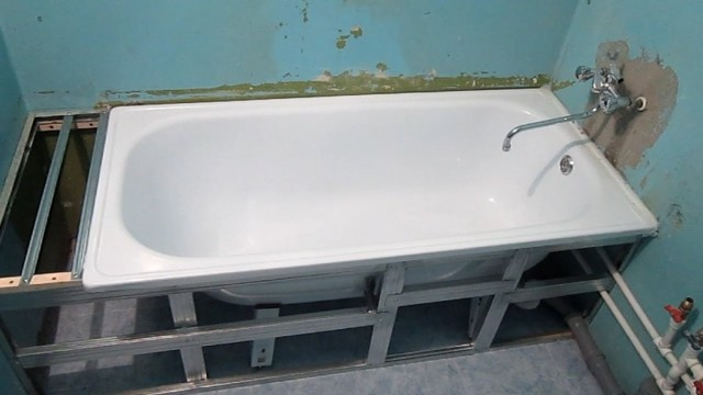 Установка чугунной ванны своими руками: инструкция по шагам