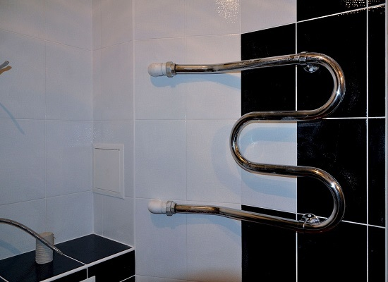 Замена полотенцесушителя в ванной: как заменить самому без ошибок