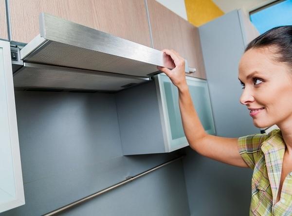 Как очистить вытяжку на кухне от жира и отмыть решетку: лучшие методы