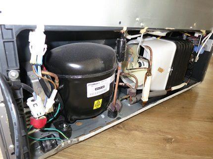 Двухдверный холодильник: лучшие модели   плюсы и минусы двухстворчатых моделей