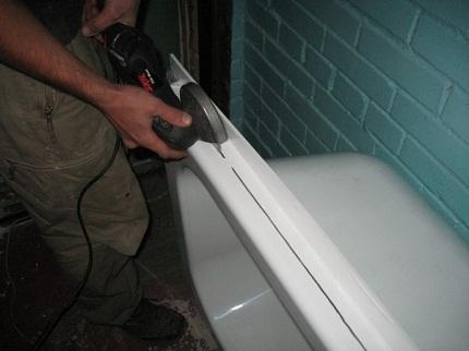 Акриловая вставка в ванну: как правильно установить вкладыш