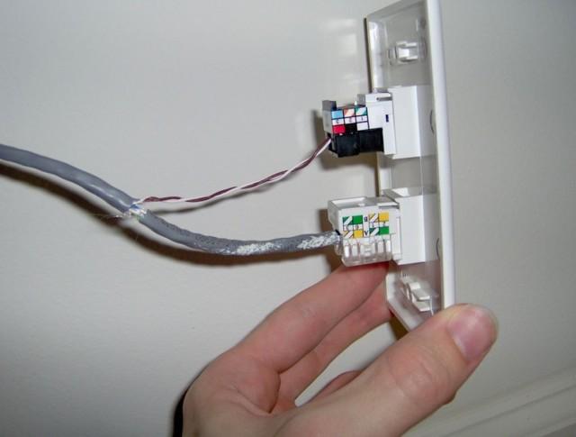 Как подключить телефонную розетку: схема и этапы установки