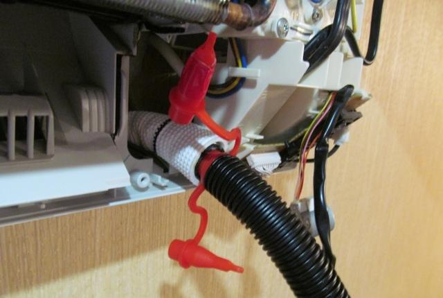 Что делать если сплит система течёт в комнату: причины поломки и способы решения проблемы
