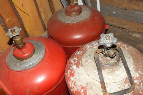 Заправка бытовых газовых баллонов: технические требования к баллонам и нормы наполнения