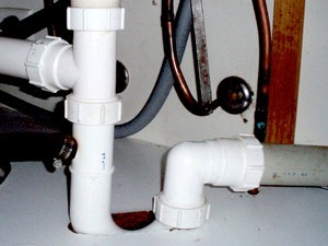 Прочистка канализационных труб: обзор лучших способов