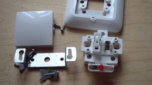 Как подключить выключатель с одной клавишей: схемы как подсоединить